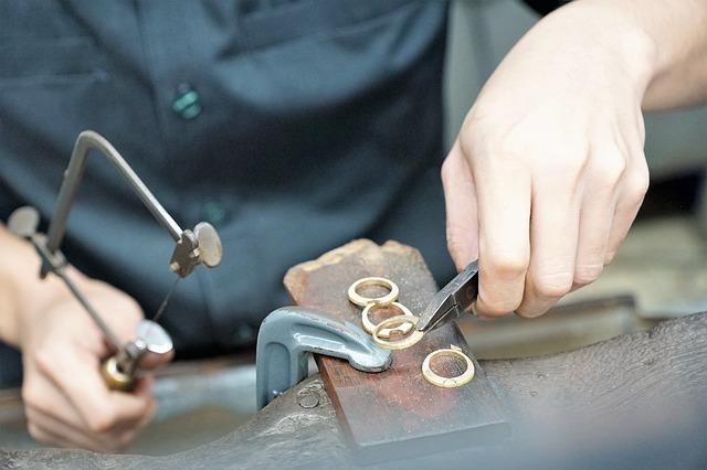 Gems and Jewellery career